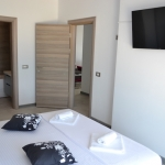 Mamaia Nord Mamaia Nord bedroom serviced apartment alezzi.jpg